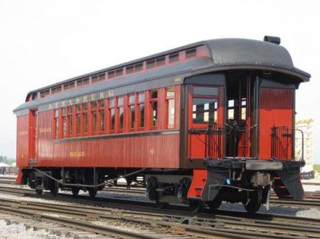 Trein gerestaureerd met Allback lijnolieverf Zeeds rood
